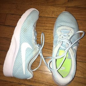 Blue Nike Tanjuns